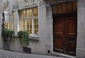 Eingang in Zürich